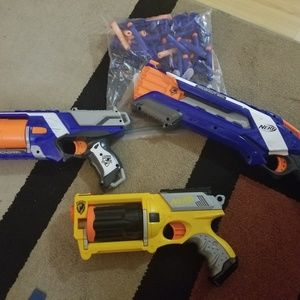 3 Nerf guns and a lot of Nerfs!
